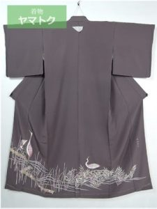 貝紫の留袖